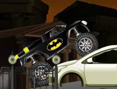 Batman cu Camionul Monstru
