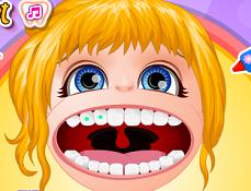 Bebelusa Barbie cu Aparat Dentar