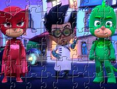 Puzzle cu Eroii in Pijama