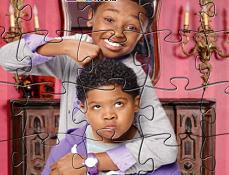 Puzzle cu Familia Hathways si Casa Bantuita